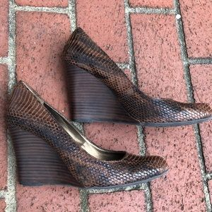 Max Studio Shoes - Max Studio Mecca  black and brown snakeskin wedge
